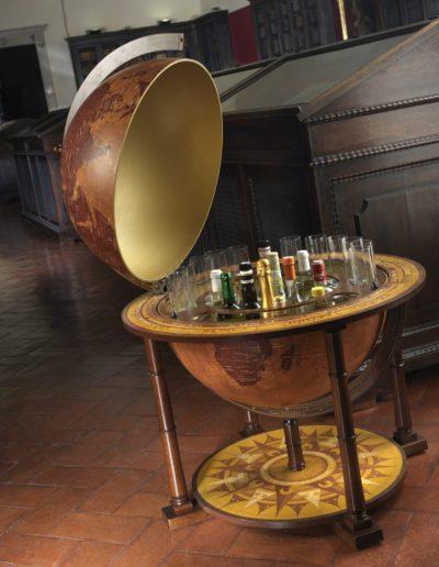 Gea Virgo extra large world globe bar - large studio photo, open