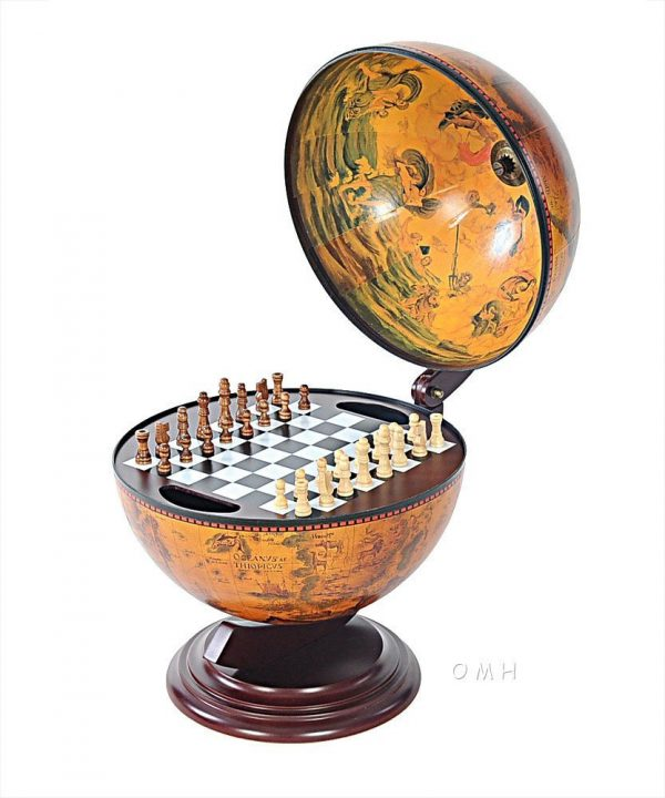 Product photo of the Old World Chess Set Globe - open