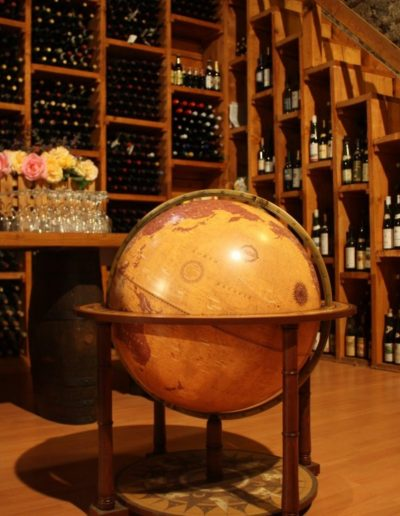 Customer photo of the Gea Aries extra large floor standing globe 2