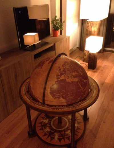 Customer photo of the Gea Aries extra large floor standing globe 3