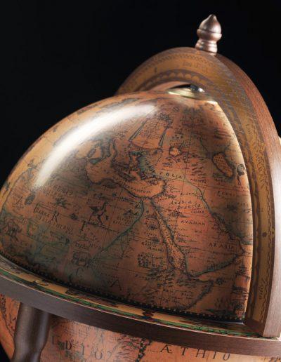Studio photo of the Roll-In Italian Vintage Globe Ba - classic, closed