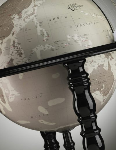 Product photo of the In Vogue Elegance Contemporary Globe Bar - black, globe close-up