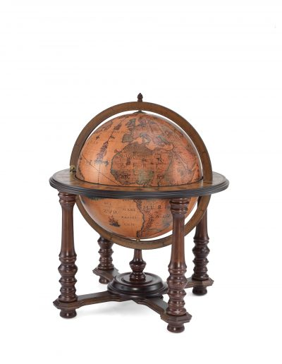 Product photo of the Grand Throne Room floor standing globe bar Demetra | closed view