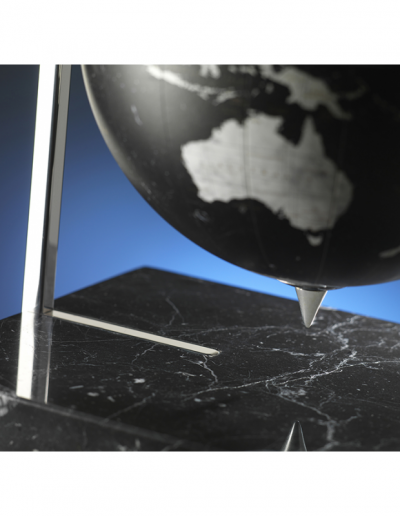 Studio photo of the Quadra Designer Black Globe - partial bottom